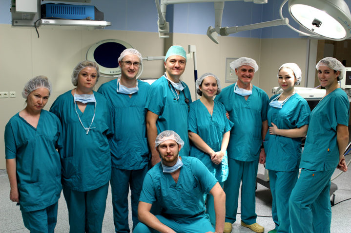Операционная команда Отделения трансплантации органов и тканей Боткинской больницы. 100-я операция по пересадке (почка).