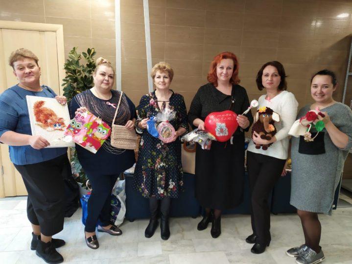 Медицинские сестры Боткинской приняли участие в благотворительной ярмарке