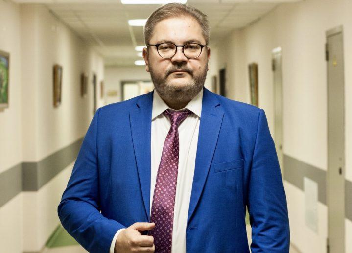 Заведующему Медицинским симуляционным центром Боткинской больницы Юрию Ивановичу Логвинову присвоено почетное звание «Отличник здравоохранения».
