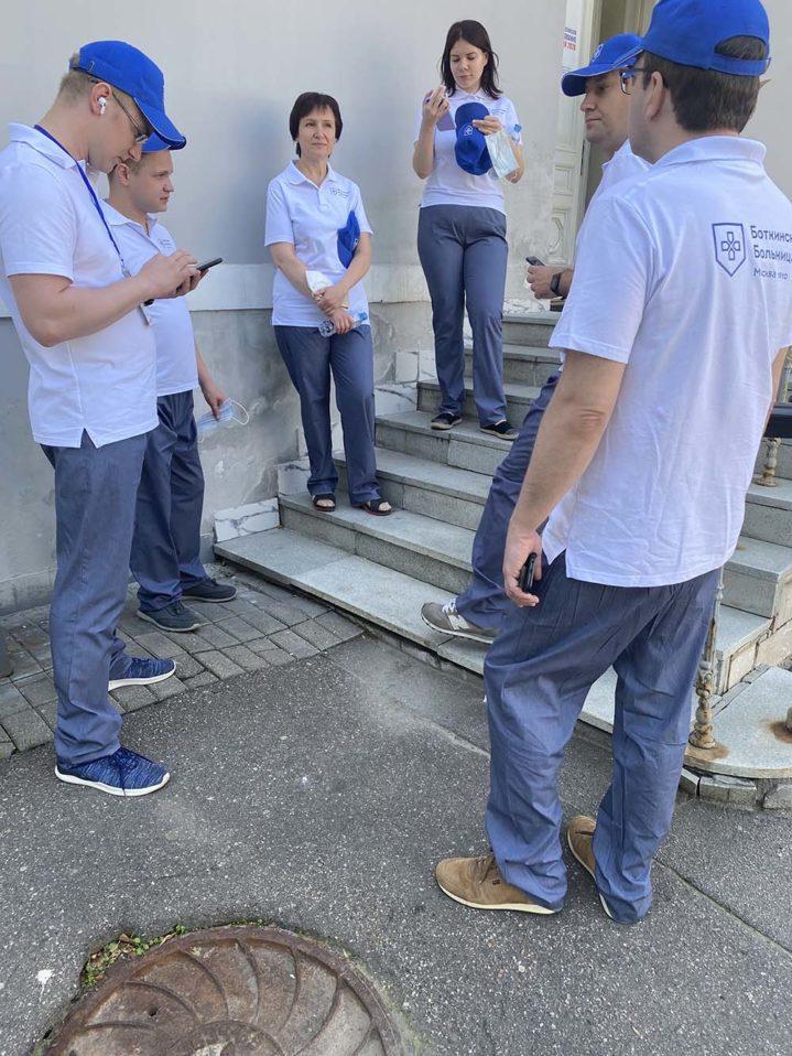 Борьба с COVID-19 продолжается. Вторая бригада врачей Боткинской больницы отправилась в Псков