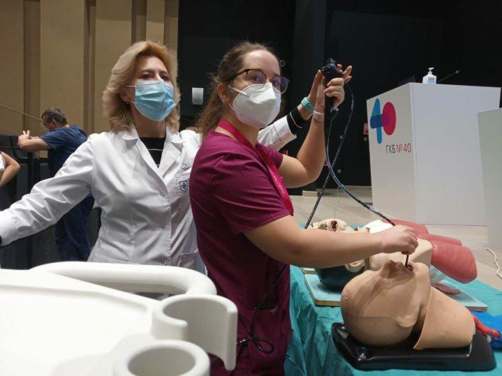 Заведующая отделдением эндоскопии Боткинской больницы ДЗМ Коржева Ирина Юрьевна.